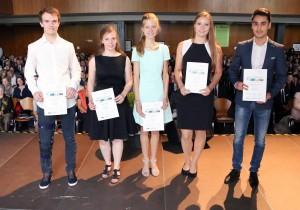 Die stolzen Empfängerinnen und Empfänger der MINT-EC-Zertifikate
