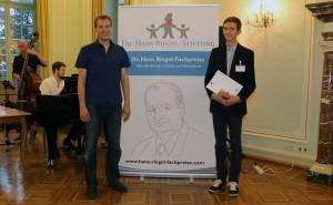 Henrik Muders und sein Physik-Lehrer Christian Eckelt